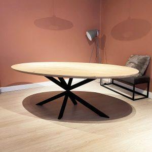 eiken houten eet tafel ovaal sfeer zonder stoelen Dami living